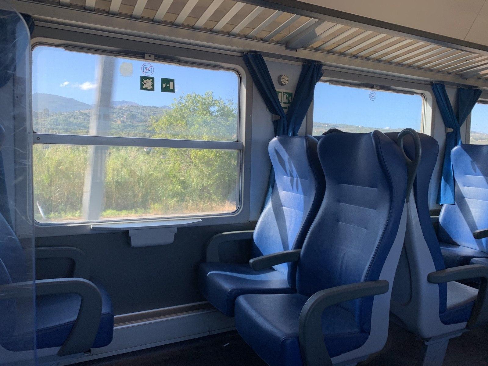 Indulás Agrigentoba, a vonat légkondis, kényelmes