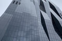 DC Tower, irány a csúcs