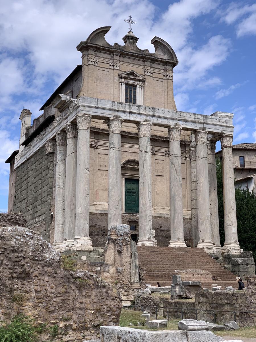 Caesar temploma