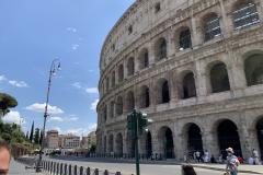 A Colosseum tövében