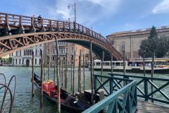 Akadémia híd
